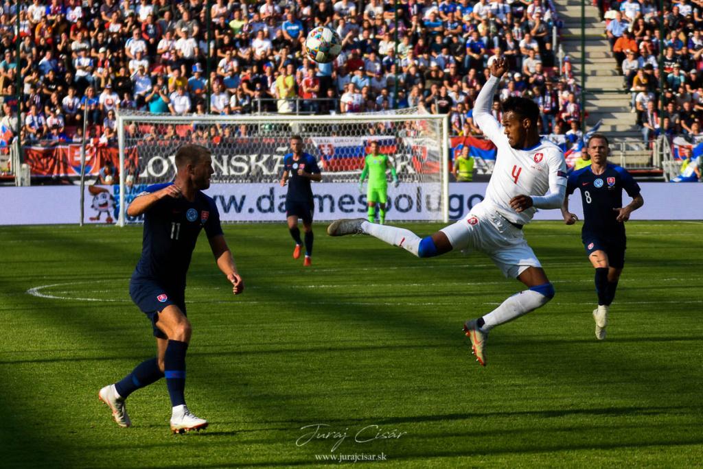 Liga národov vo futbale – 1. skupina B-divízie:  Slovensko – Česko 1:2 (0:0)
